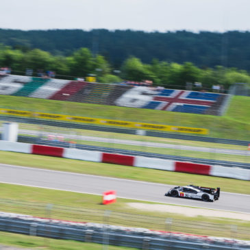 Porsche extends lead, Ferrari top in GT