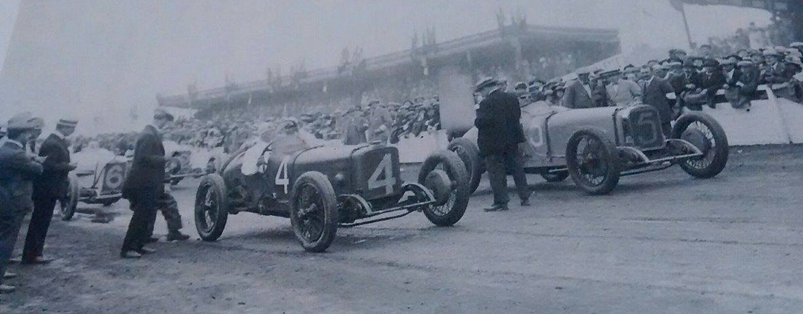 History – Start of a race in the 1920s at Le Mans