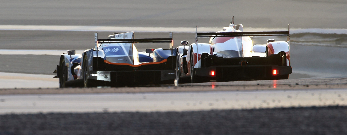 Classes – Two LMP cars battle for position