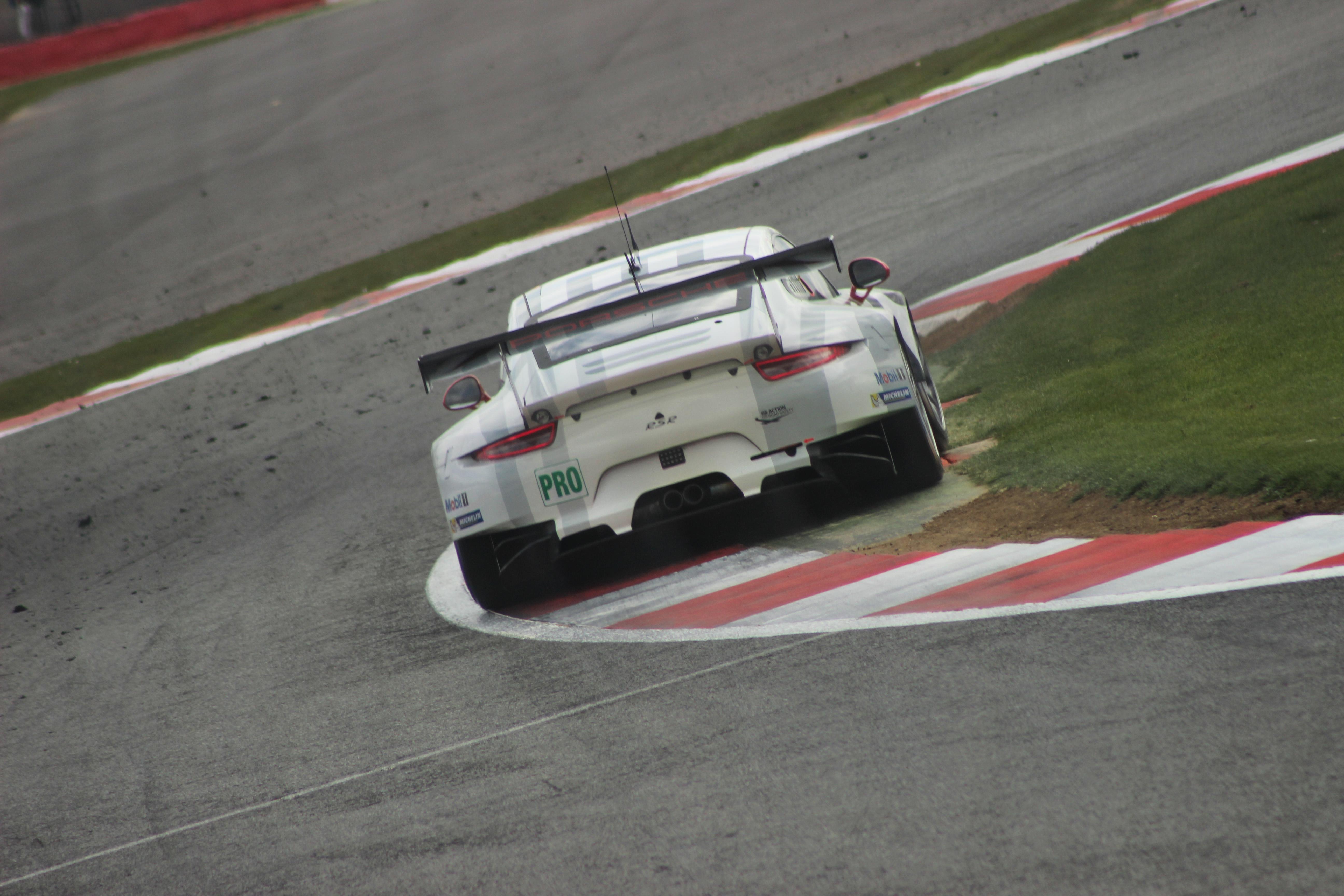 46 Porsche