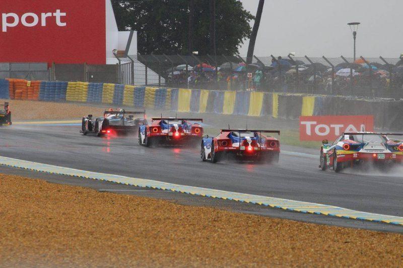 01_Ford_Ferrari_Start-800x533