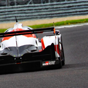 Toyota and Porsche go toe-to-toe at Silverstone