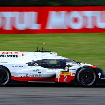 Porsche top in Nürburgring practice