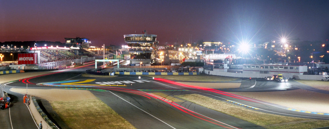Long exposure of the 2017 24 Hours of Le Mans at night
