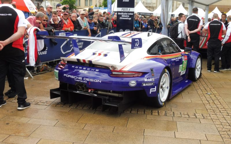 Scrutineering: #91 Porsche 911 RSR at scrutineering for the 2018 24 Hours of Le Mans