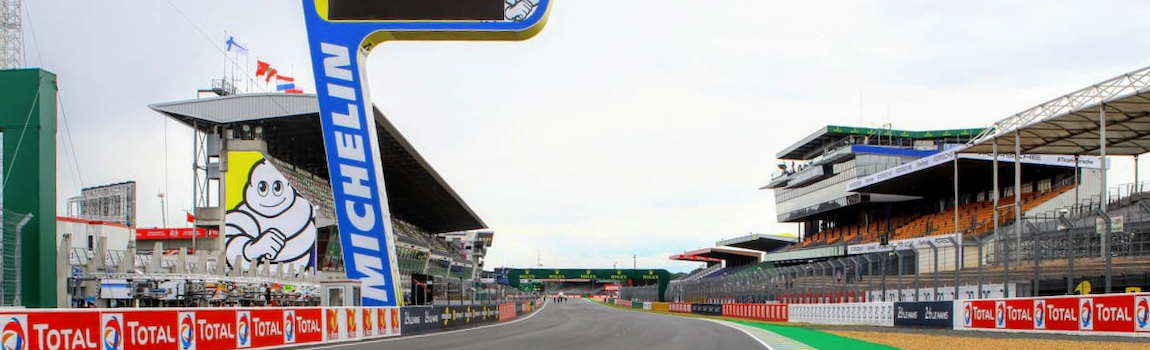The start-finish-straight in Le Mans