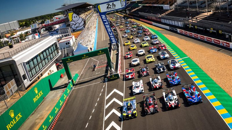 Test Day: Cars lined up on Le Mans grid