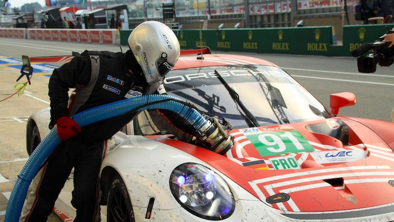 The Porsche 911 RSR at refueling during the race
